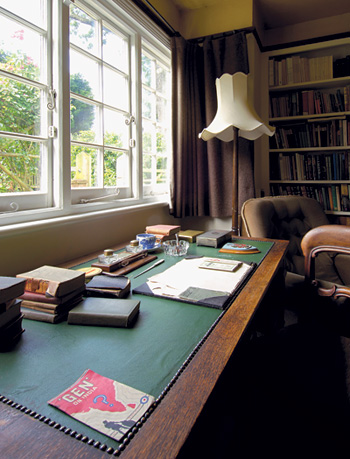 A desk in the kilns common room facing the back garden is one of many places c s lewis spent time writing