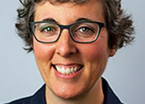 Headshot of Professor Shannon Smythe