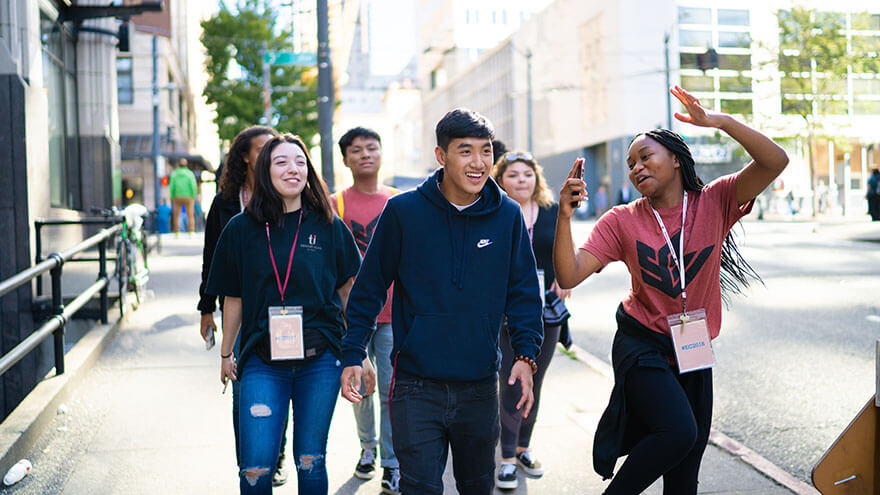 SPU students walk in downtown Seattle during the 2018 Early Connections downtown excursion