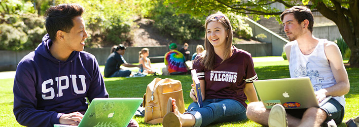 SPU undergraduate students studying in Tiffany Loop