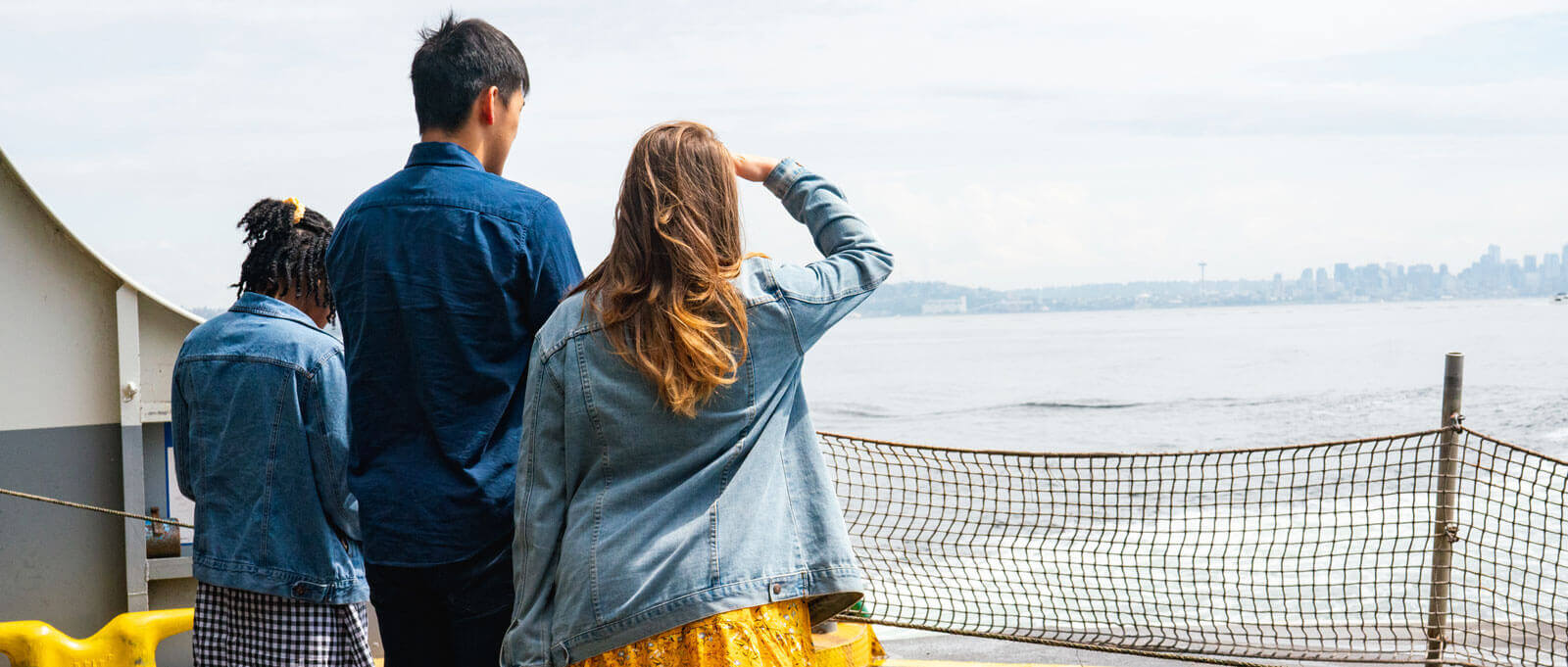 students view Seattle on horizon